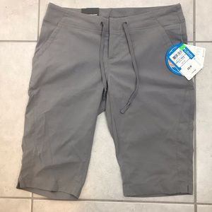 Columbia active fit shorts NWT